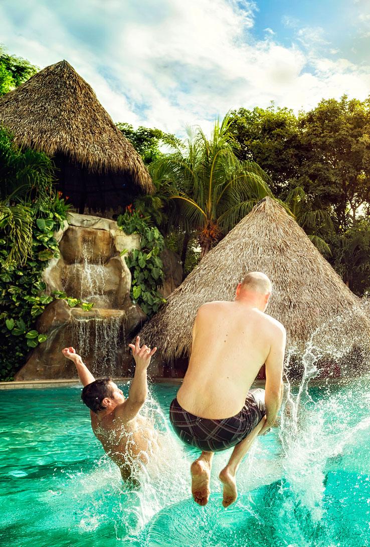009-Cascada-pool_jump
